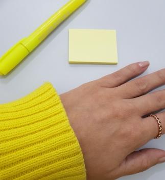 yellow; sueter; postit; marcador; marker, ring, vivara