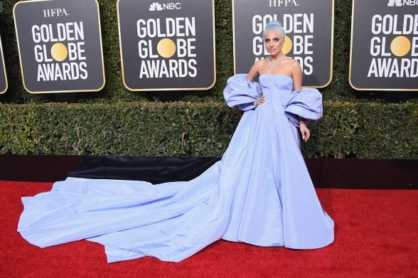 Lady gaga; globo de ouro; vestido lavanda;